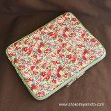 iPad/タブレットケース: おしゃれ かわいい:リバティ・クレアオード(レッド)