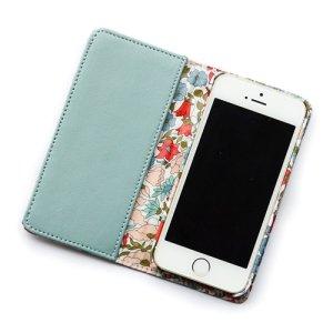画像2: iPhone6sケース・手帳型 リバティ・ポピー&デイジー(ライトブルー) おしゃれ  かわいい マグネットを使わないのでカード安全