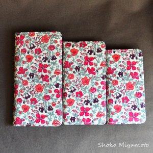 画像5: 【送料無料】iPhone6sケース・手帳型:リバティ・マーガレットアニー(ネイビー)おしゃれ  かわいい マグネットを使わないのでカード安全