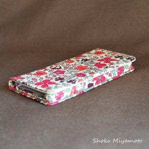 画像4: 【送料無料】iPhone6sケース・手帳型:リバティ・マーガレットアニー(ネイビー)おしゃれ  かわいい マグネットを使わないのでカード安全
