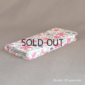 画像4: 【送料無料】iPhone8ケース iPhone7ケース・手帳型:リバティ・マーガレットアニー(ネイビー)おしゃれ  かわいい マグネットを使わないのでカード安全