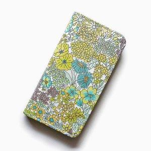 画像1: 【送料無料】iPhoneSE(第1世代)ケース iPhone5sケース 手帳型  リバティ・マーガレットアニー(グリーン)おしゃれ  かわいい マグネットを使わないのでカード安全  スマホケース アイフォンケース