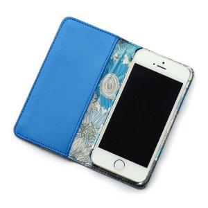 画像2: 【送料無料】iPhoneSEケース iPhone5sケース 手帳型 リバティ・スモールスザンナ(ブルー) おしゃれ  かわいい マグネットを使わないのでカード安全  スマホケース アイフォンケース